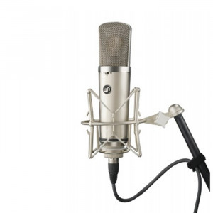 Warm Audio WA-67 grootmembraan condensatormicrofoon